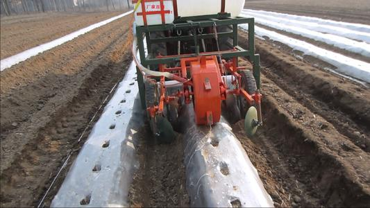 The Ridging Film Mulching Machine Should Be Adjusted In This Way